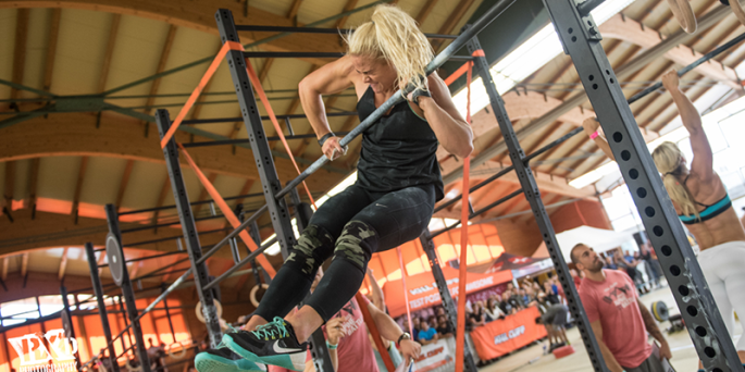 sara-sigmundsdottir-bar-muscle-ups