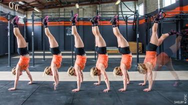 handstand-walk