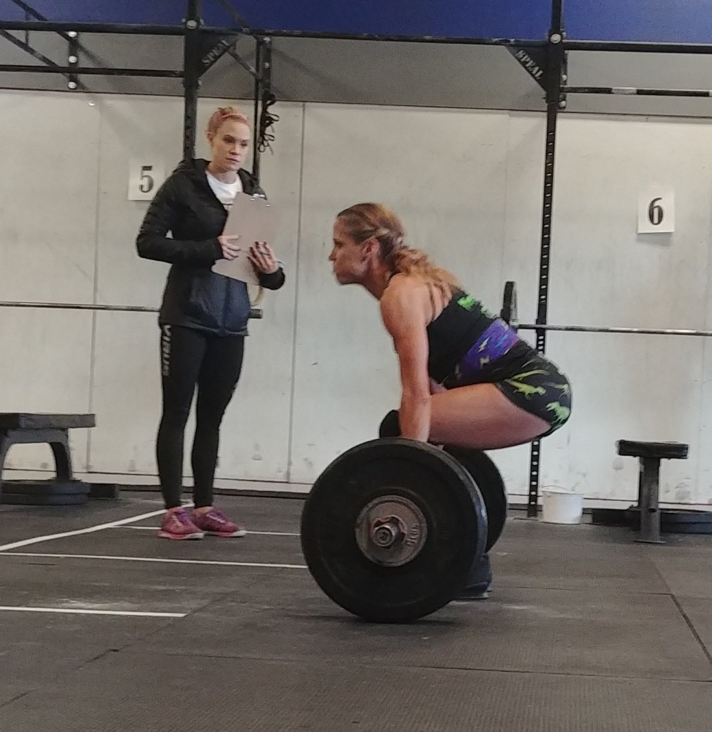 CrossFit babes deadlifting at CrossFit Competition