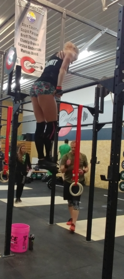 Hot crossfit chicks doing CrossFit Open 19.4 Bar Muscle Ups in Colorado